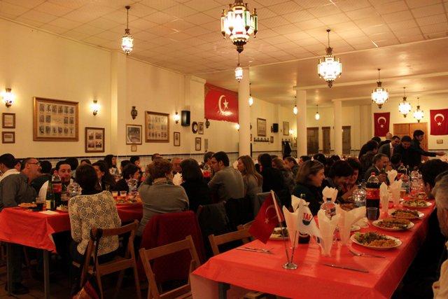 Türkiye Sevdalısı İspanyollar Yemekte Bir Araya Geldi