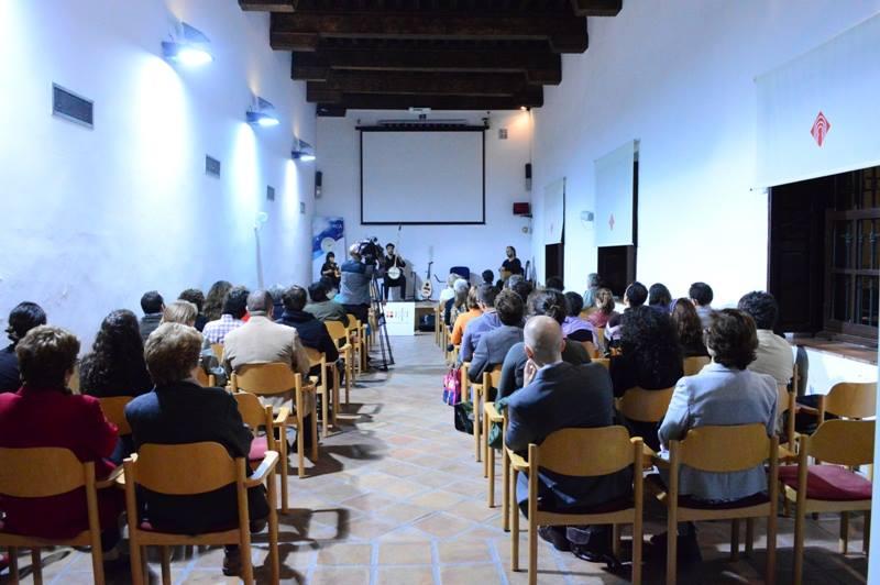 Concierto del grupo KELEBEK en la Escuela de Traductores