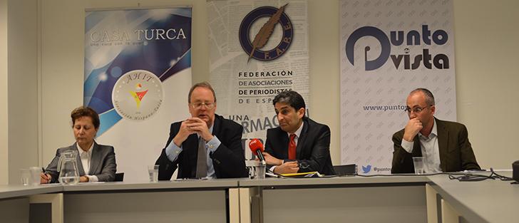 """""""Libertad de expresión y acoso a periodistas en Turquía"""""""