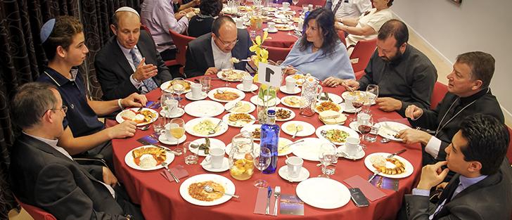 Cena de Ramadán- Representantes religiosas