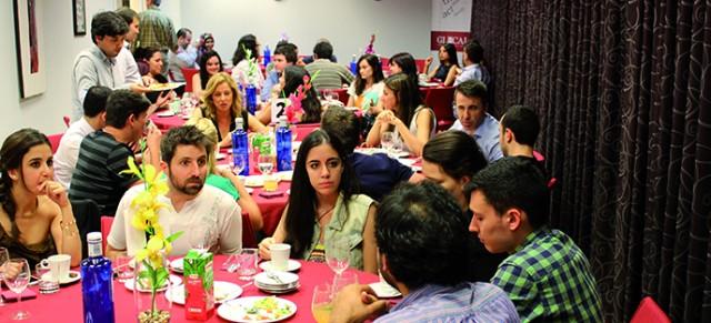 Cena de Ramadán para amigos y conocidos